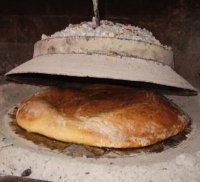 Kruh ispod peke