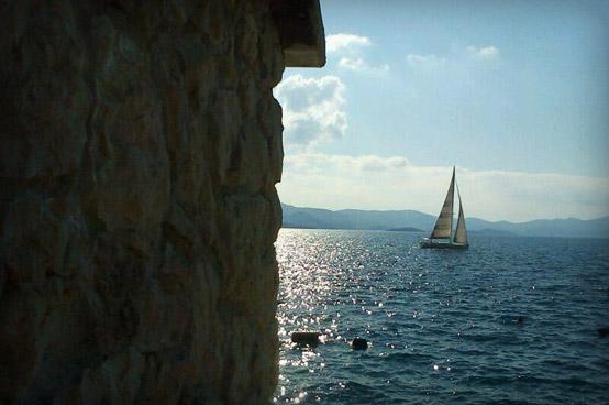 Brod na moru pored Komarne